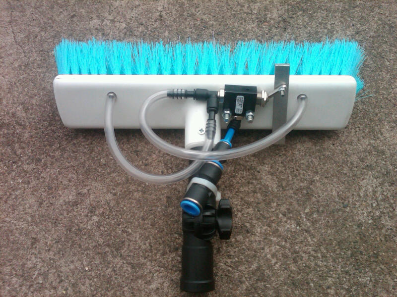 water fed pole window cleaning autobrush